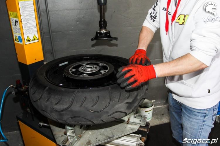 zdejmowanie Bridgestone T30 Scigacz pl