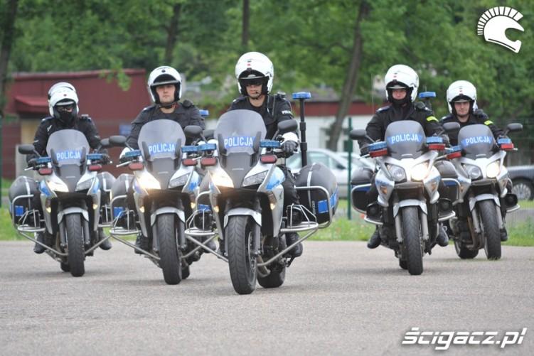 Policja na motocyklach