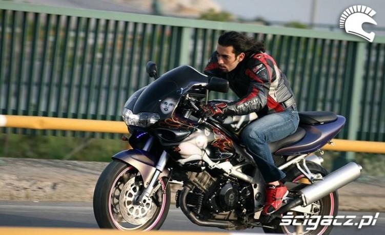 Suzuki TL1000 macho bez kasku