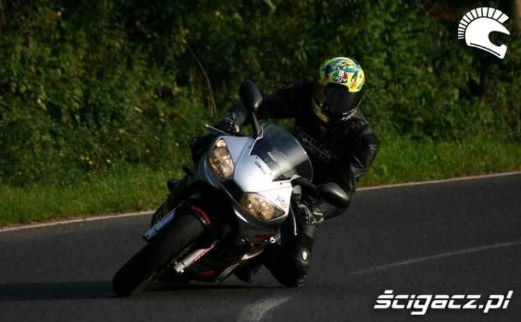 Yamaha R6 jazda 2