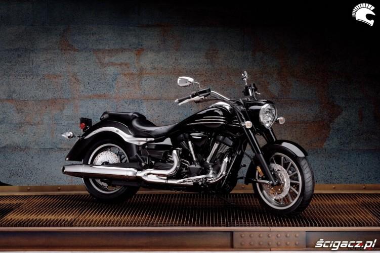 Yamaha XV1900 black