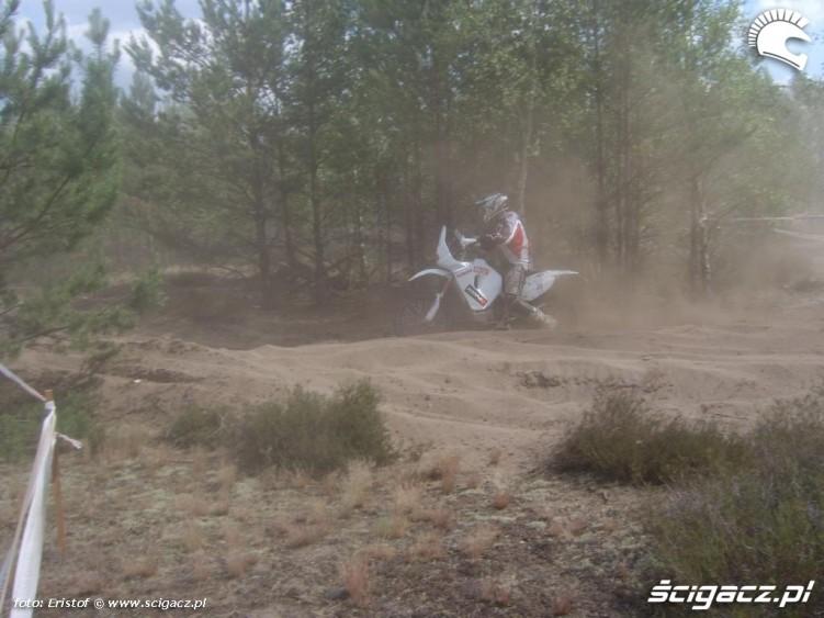 Motocykl w piachu
