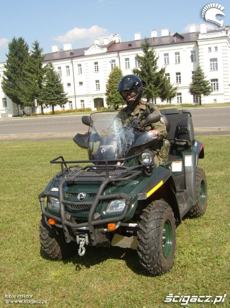 Quady w wojsku Bombardier i Zwiadowca