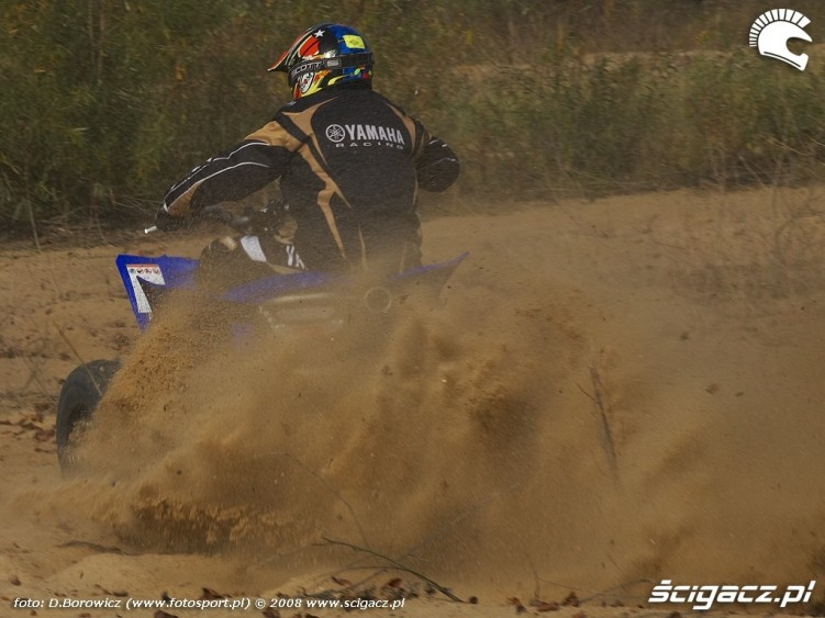 zakopuje sie yamaha yfz450r model 2009 test b mg 0072