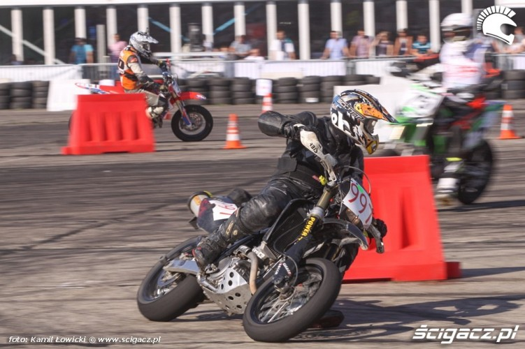 Tor Supermoto Intercars Motor Showl