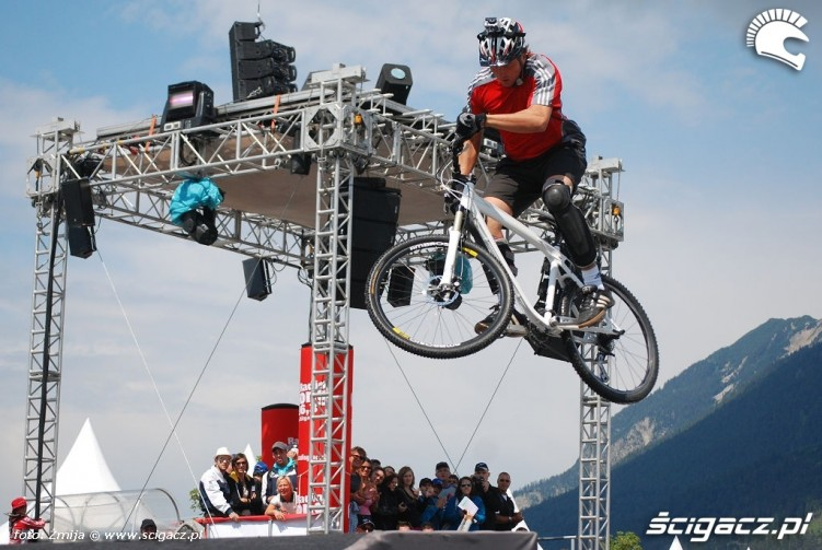 Rowerowe skoki pokaz Garmisch