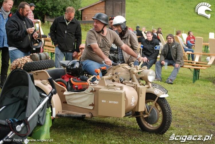 Zabytkowy motocykl zlot BMW