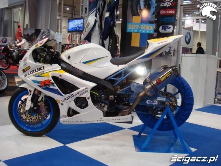 Puchar GSX-R malowanie motocykla