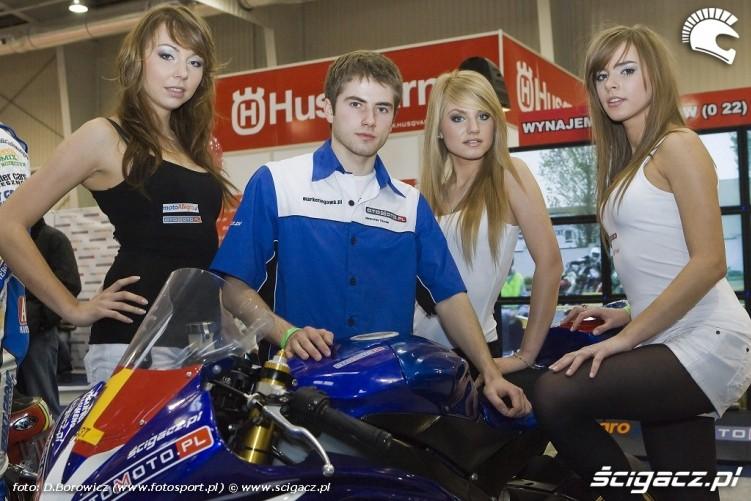 chmielewski hostessy wystawa motocykli warszawa 2009 e mg 0058
