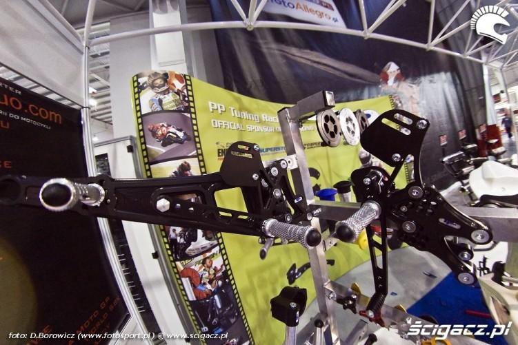 czesci do motocykla wyscigowego wystawa motocykli warszawa 2009 d img 0107