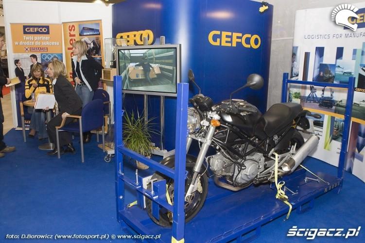 ducati w skrzyni transportowej wystawa motocykli warszawa 2009 a mg 0163