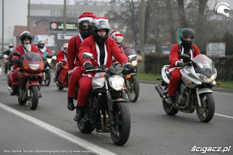 przejazd ulicami krakowa mikolaje na motocyklach 2009