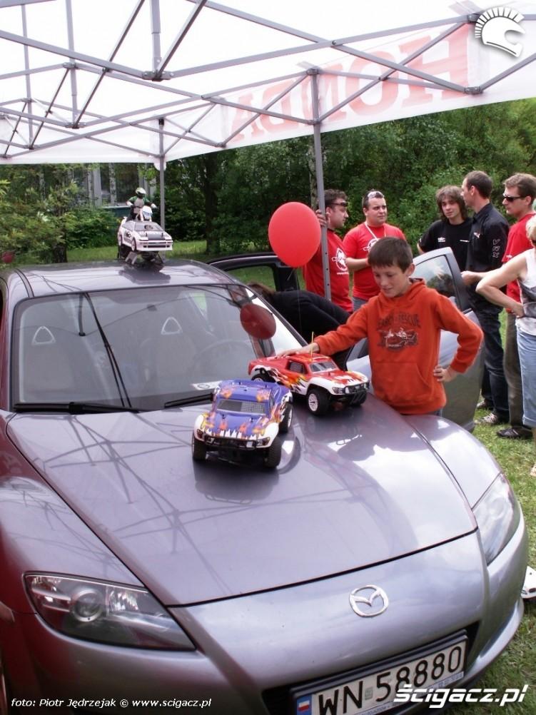 samochody zdalnie sterowane RC monster Dzien Dziecka w Centrum Zdrowia Dziecka