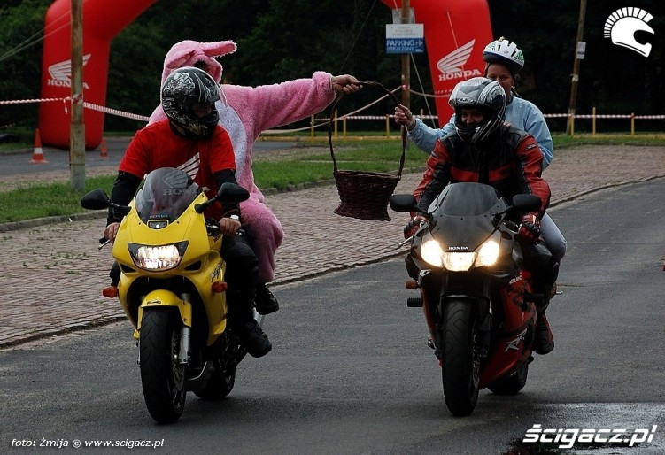 Motocyklisci dla dzieci na dzien dziecka
