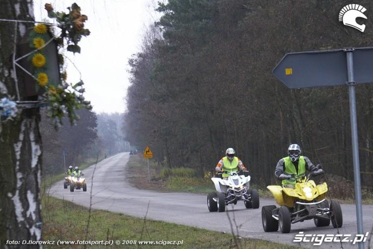 quady na drodze LXII pogon za lisem pionki 2008 a img 0083