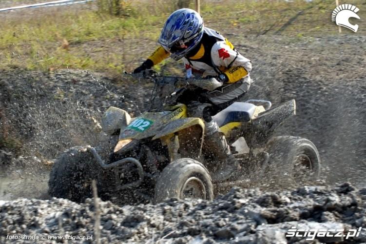 Mistrzostwa Polski Enduro 2008 przejazd quadem po blocie