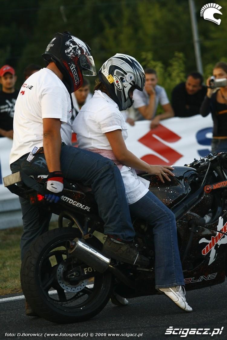 kierowniczka zawodow na moto vi runda wmmp poznan 2008 j mg 0255
