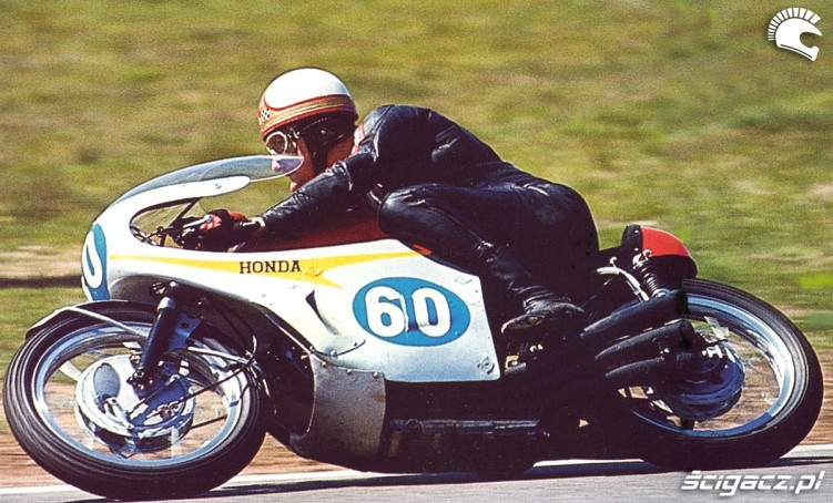 15) Nowatorska Honda 6-cyl350cc 1967 Mike Hailwood (GB)