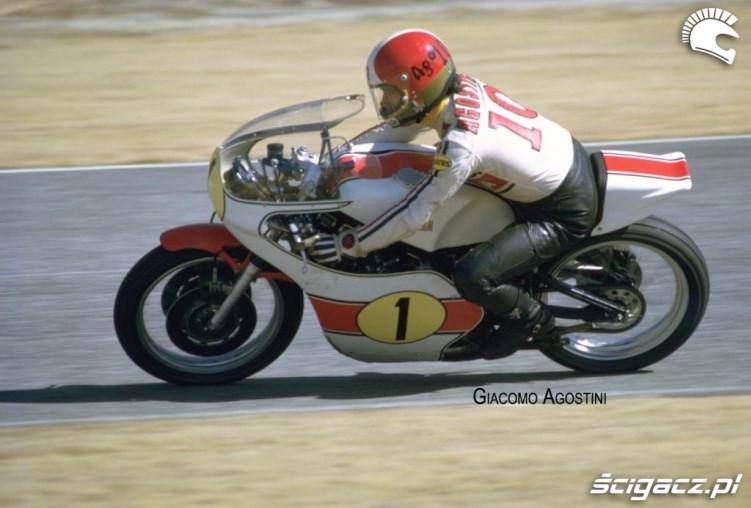 16) Giacomo Agostini Niekopokonay do dzis 15-krotny mistrz