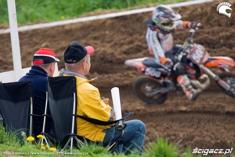 motocross olsztyn 2010 kibice na krzeselkach