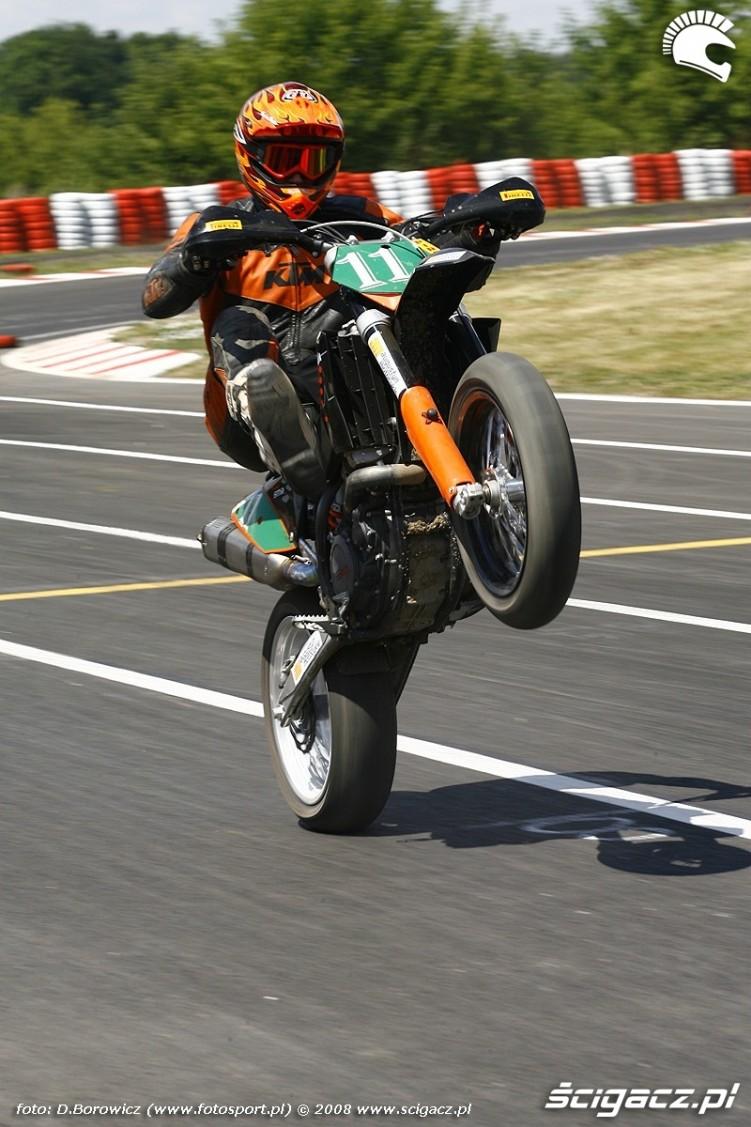 guma mochocki radom supermoto motocykle lipiec 2008 a mg 0110
