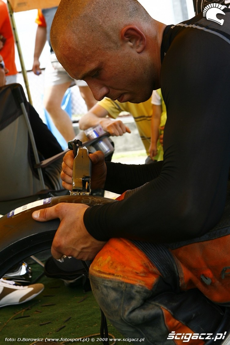 nacinanie opon radom supermoto motocykle lipiec 2008 c mg 0318