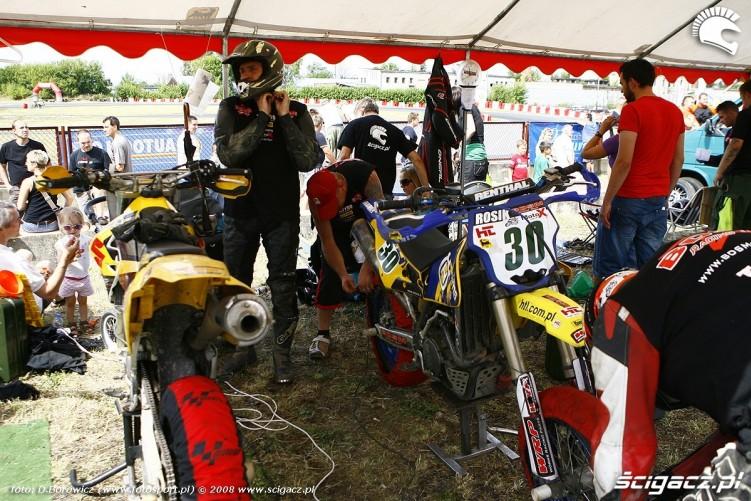 namiot bdsm radom supermoto motocykle lipiec 2008 c mg 0306