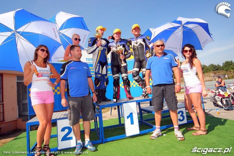 podium gsxr cup suzuki wmmp poznan vi runda 2011 a mg 1035