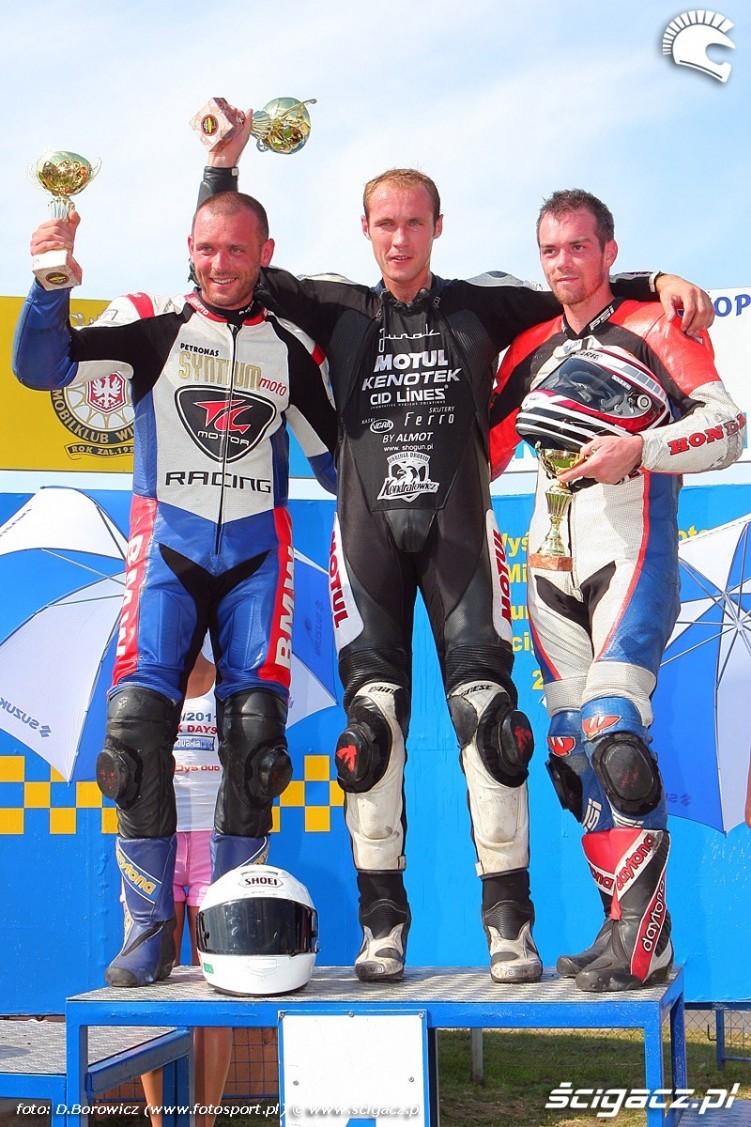 podium superbike superstock 1000 wmmp vi runda niedziela poznan 2011