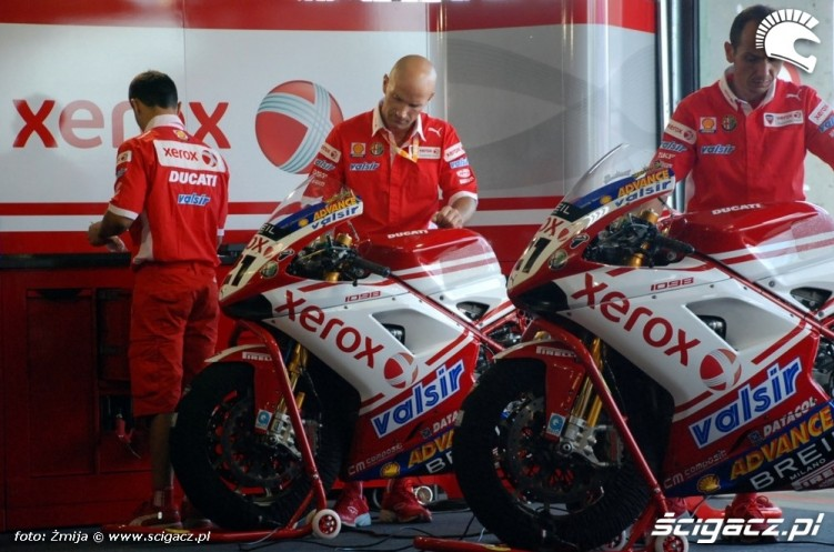 World Superbike Brno Ducati Xerox Team boks