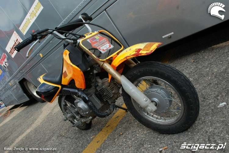 TKR Suzuki scooter sbk paddock