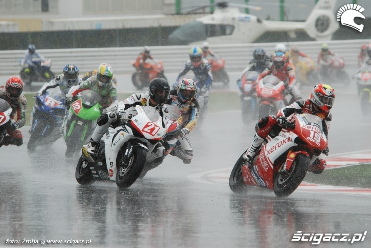 wyscig w deszczu Misano