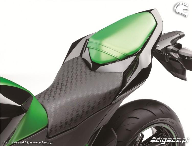 Kawasaki Z800 2013 siedzisko