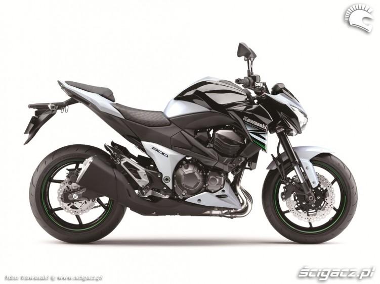 Kawasaki Z800 prawy profil