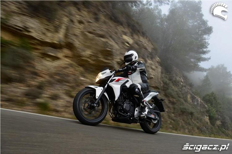 Honda CB500F 2013 w gorach