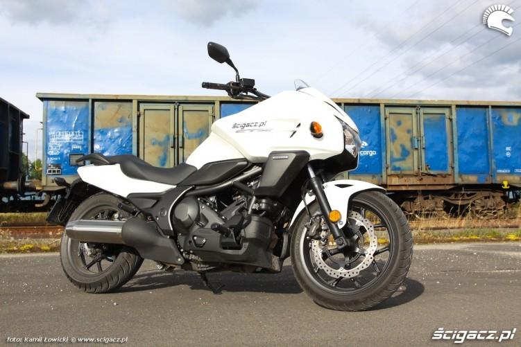 Nowa Honda CTX700 statyka
