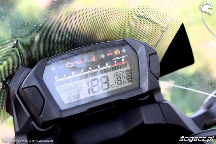 Honda NC 750 X wskazniki