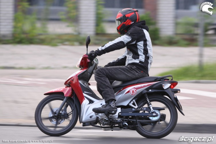 Honda Wave 110i 2015 jazda