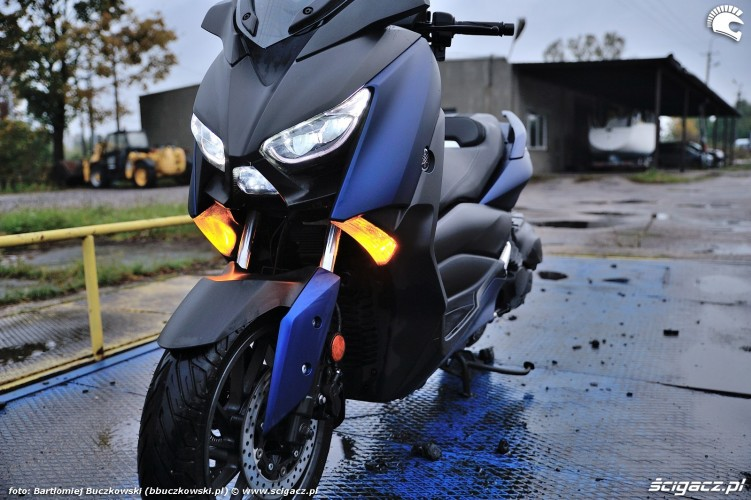 Yamaha X MAX 400 2018 postoj