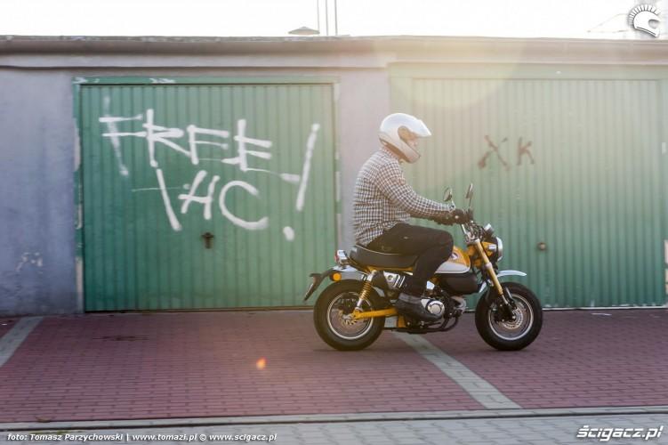 Honda Monkey 125 test 27