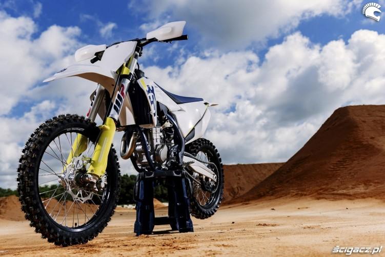 Husqvarna Motocross 2019 z bliska