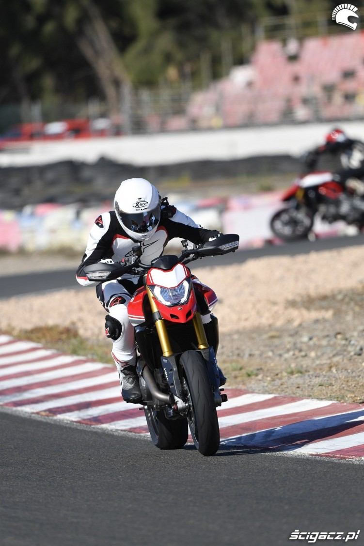 hypermotard 950 sp test