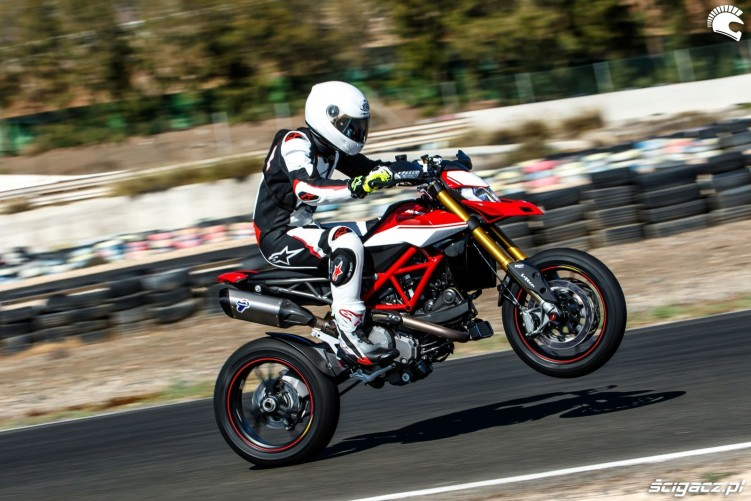 hypermotard power wheelie