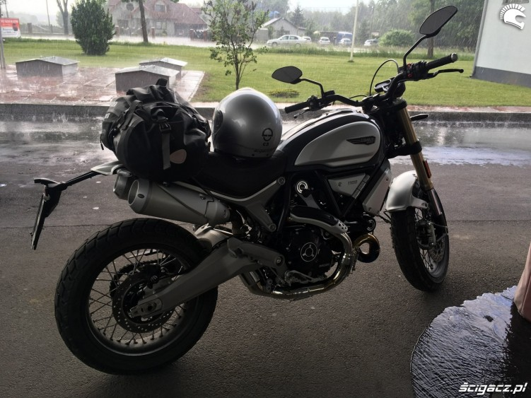 Ducati Scrambler 1100 04