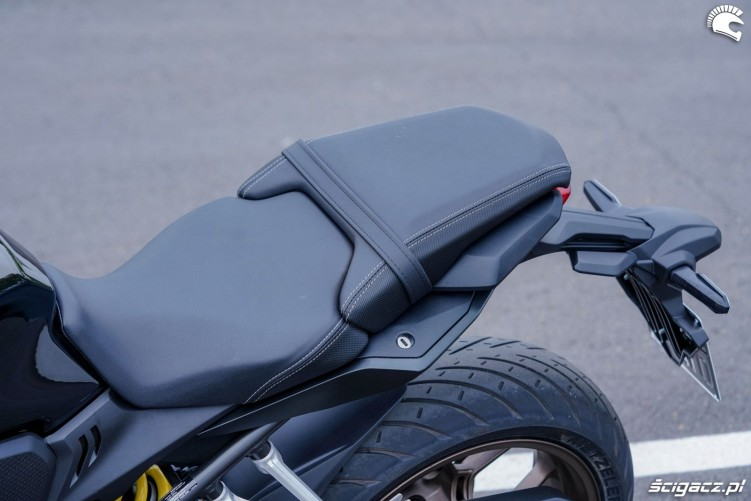 Honda CB650R 2019 statyka 24