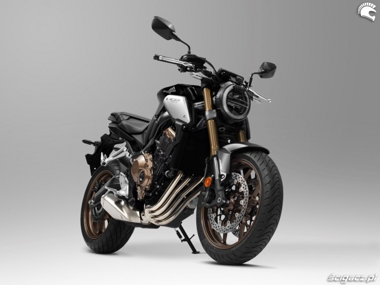 Honda CB 650 R 2019 studio 02