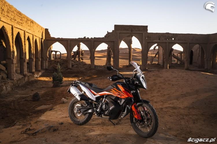 ktm 790 adventure ruiny