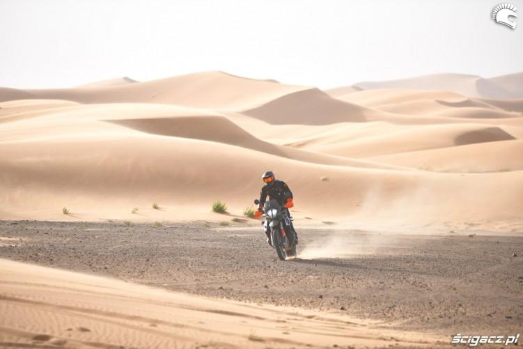 ktm na pustyni