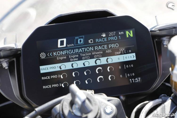 BMW S1000RR 2019 detale 03