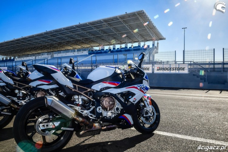 BMW S1000RR 2019 testy tor Estoril 07